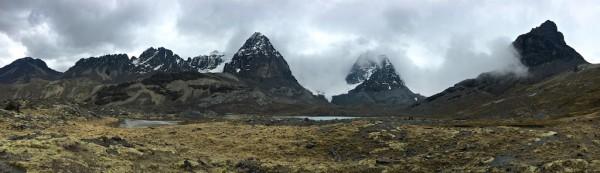 An alpine view near Mount Condoriri